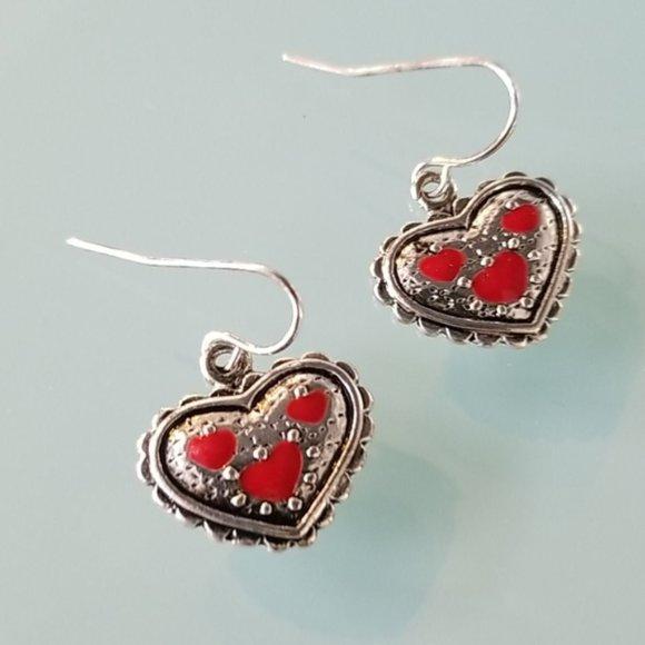 Jewelry - Adorable Heart Earrings